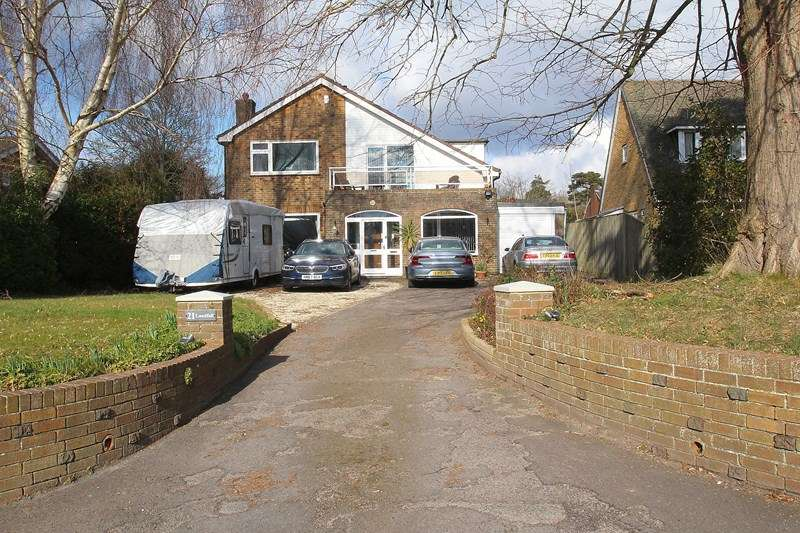 4 Bedrooms Detached House for sale in Cams Hill, Fareham