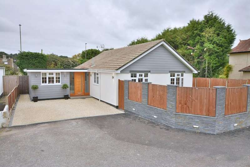 3 Bedrooms Detached Bungalow for sale in Ameysford Road, Ferndown