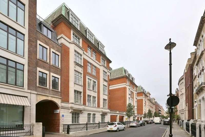 1 Bedroom Flat for sale in Hallam Street , London, W1W