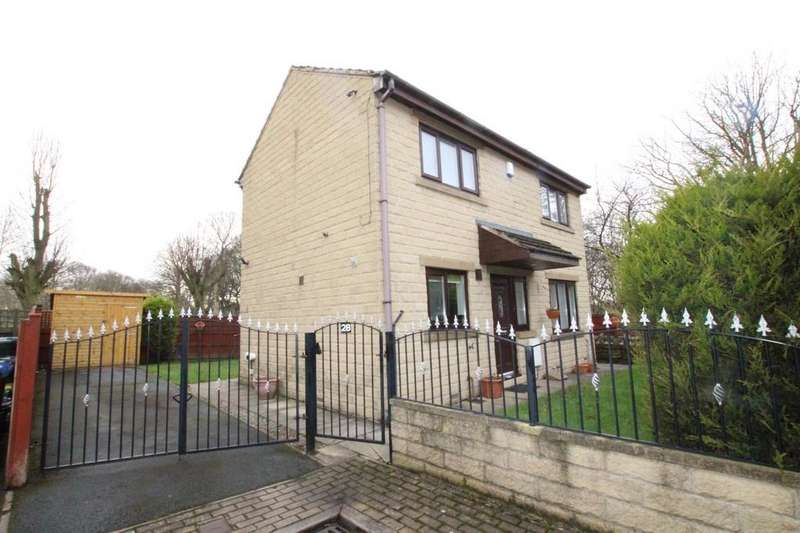 3 Bedrooms Detached House for sale in Burras Road, BRADFORD, West Yorkshire