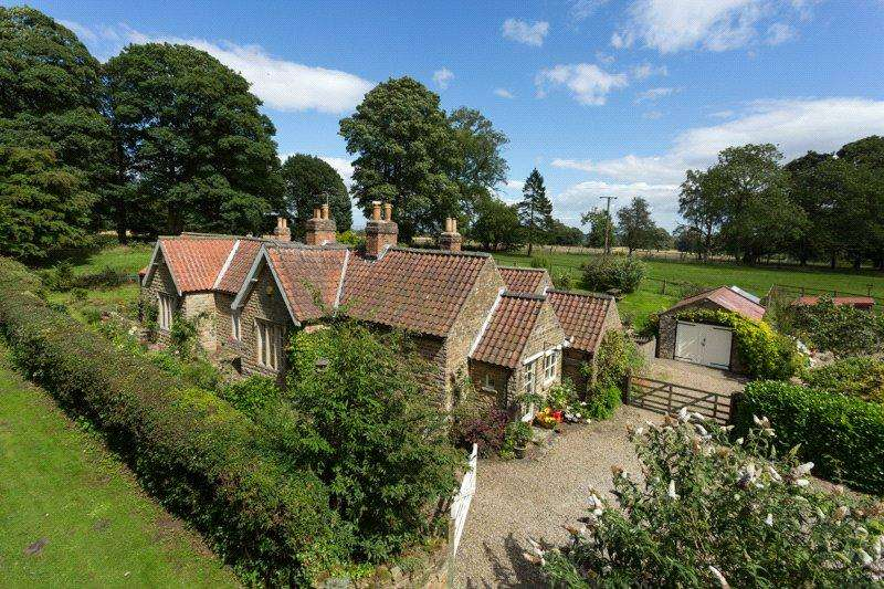 4 Bedrooms Detached House for sale in Wiganthorpe, Terrington, York, North Yorkshire, YO60