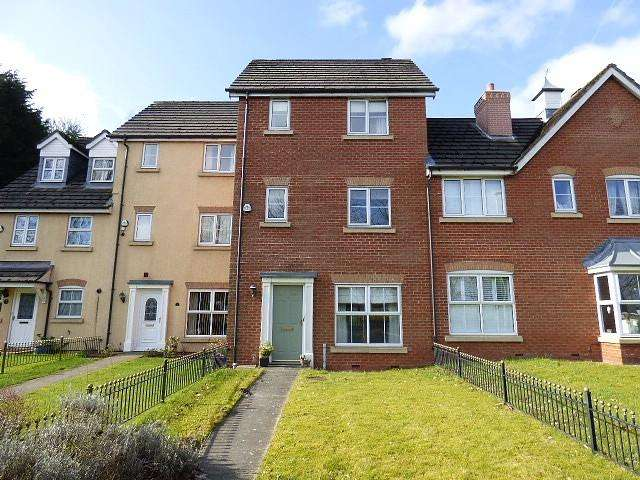 3 Bedrooms Mews House for rent in Millbrook Close, Glazebury, Warrington