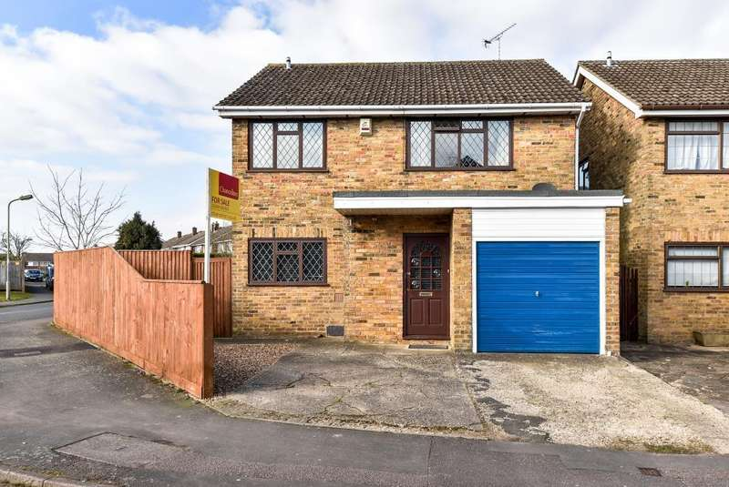 4 Bedrooms Detached House for sale in Stokenchurch, High Wycombe, Buckinghamshire, HP14