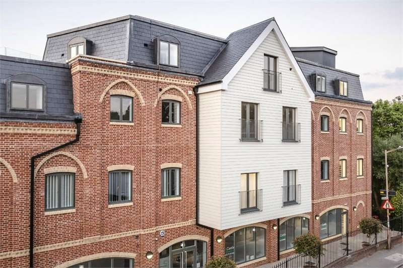 2 Bedrooms Flat for rent in Castle Maltings, Stansted Mountfitchet, Essex