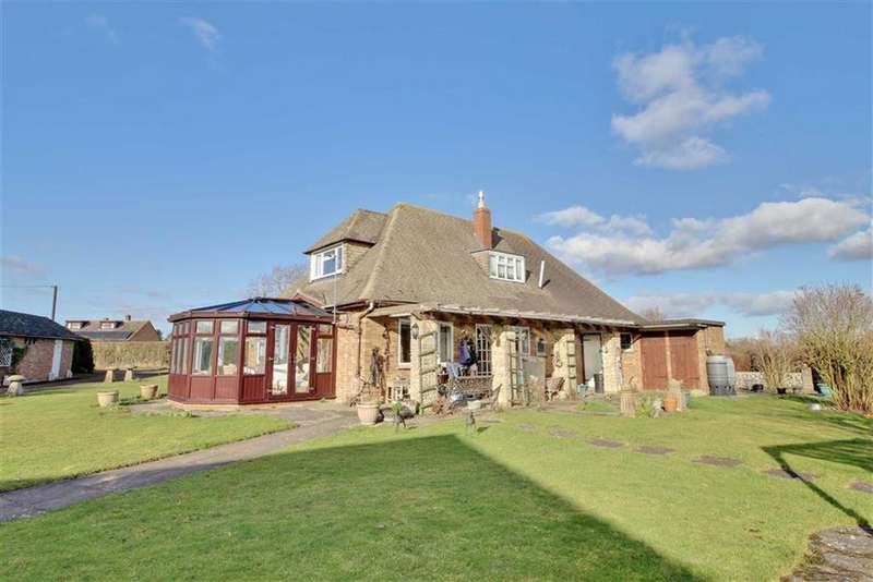 4 Bedrooms Detached House for sale in School Crescent, Corse, Gloucestershire