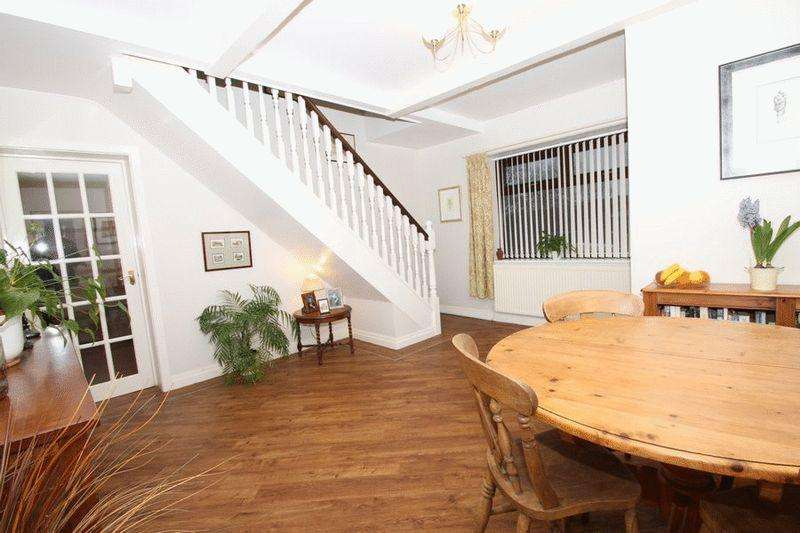 3 Bedrooms Cottage House for sale in 13-15 Spring Bank, Healey, Rochdale OL12 0TQ