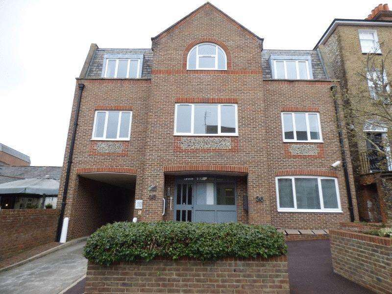 1 Bedroom Flat for sale in LEATHERHEAD