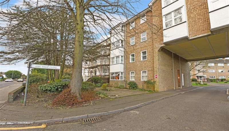 2 Bedrooms Property for sale in Ash Tree Close, Surbiton