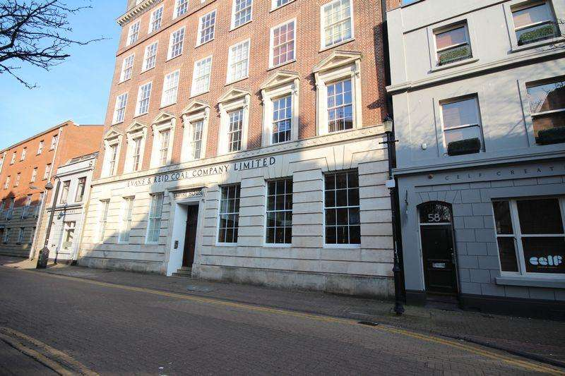 2 Bedrooms Apartment Flat for rent in Mount Stuart Square, Cardiff Bay
