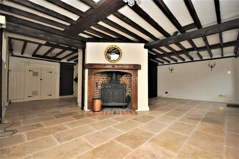 4 Bedrooms House for rent in High Street, Thames Ditton