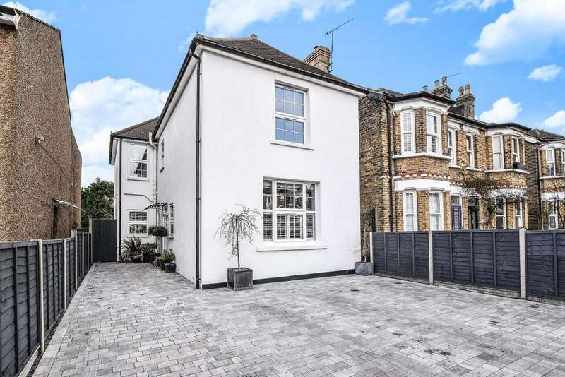 4 Bedrooms Detached House for sale in Walpole Road, Bromley