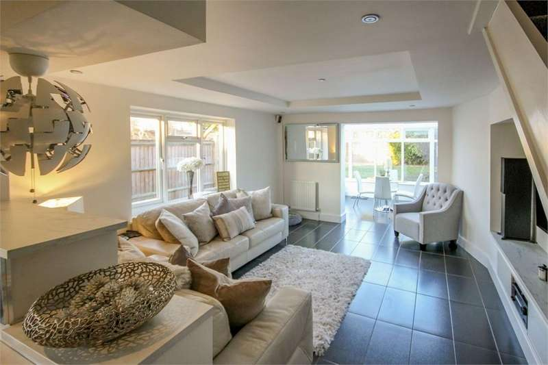 3 Bedrooms Terraced House for sale in Finmere, BRACKNELL, Berkshire