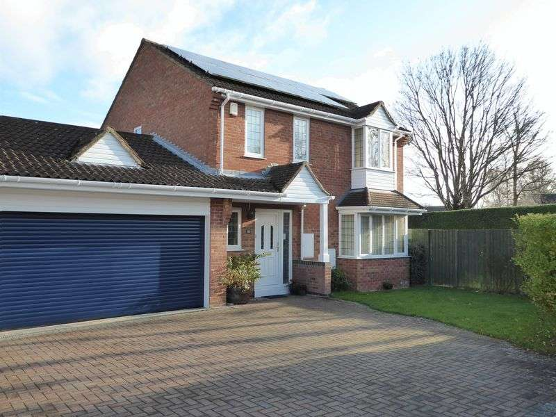4 Bedrooms Property for sale in Waveney Close, Bicester