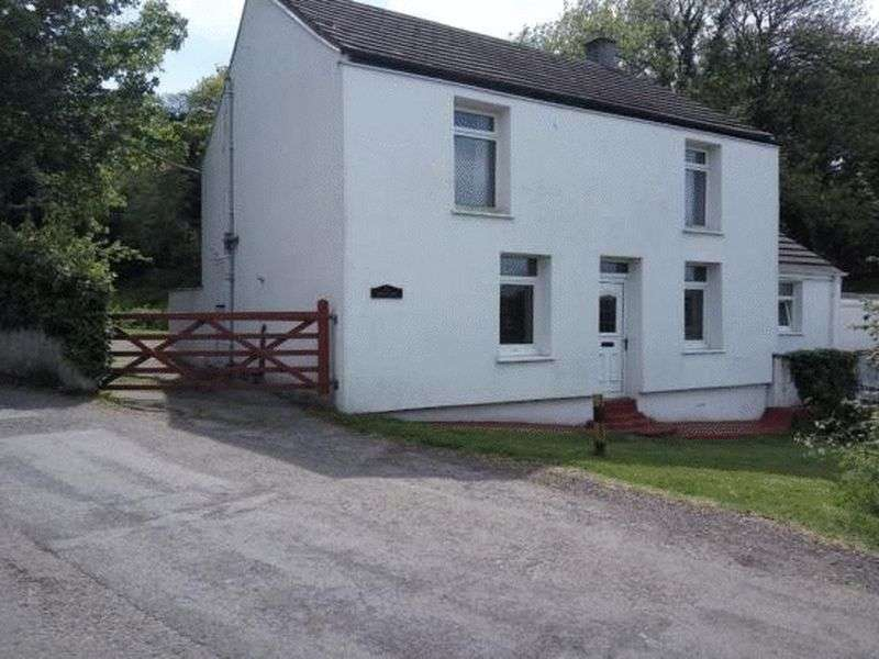 3 Bedrooms Property for sale in Penclawdd, North Gower