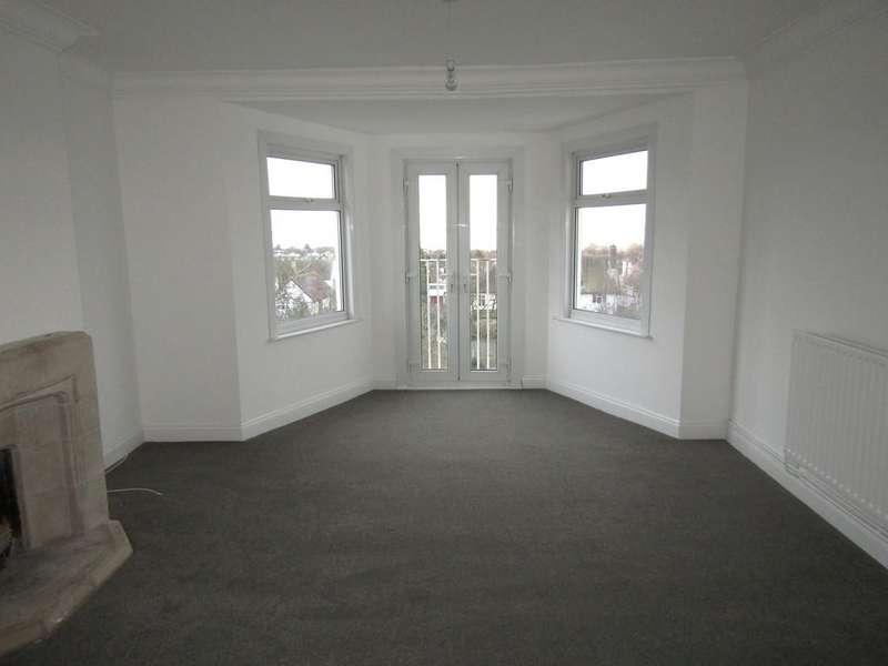 3 Bedrooms Flat for rent in Kings Road, Westcliff-on-Sea