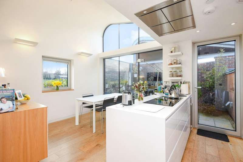 3 Bedrooms House for sale in Princess Louise Walk, North Kensington, W10