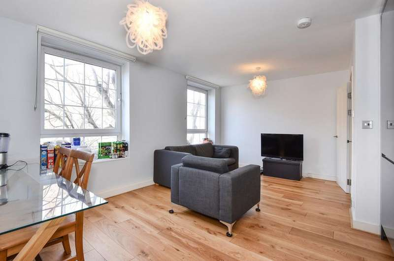 3 Bedrooms Apartment Flat for sale in Tabard Garden Estate, SE1.