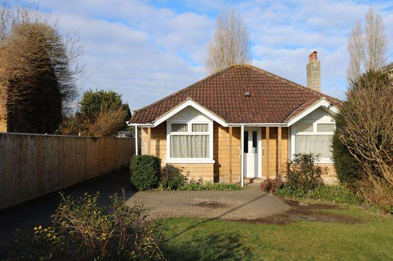 2 Bedrooms Detached Bungalow for sale in Beech Road, Saltford, Bristol