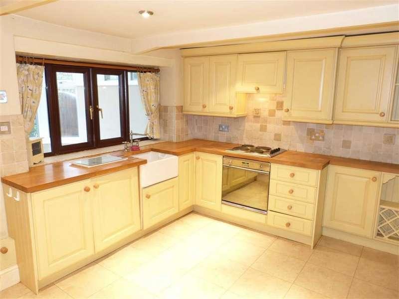 3 Bedrooms End Of Terrace House for sale in Mottram Moor, Hollingworth, Via Hyde