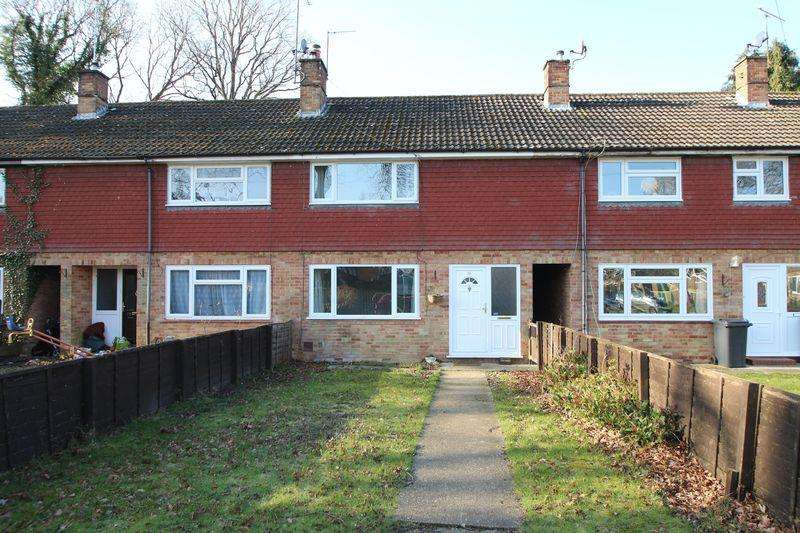 2 Bedrooms Terraced House for sale in Queensway, Cranleigh