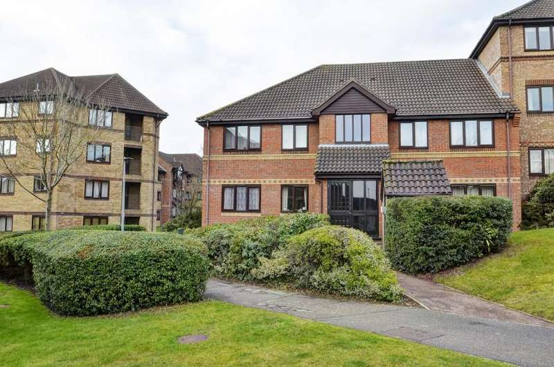 2 Bedrooms Ground Flat for sale in Thorpe Park, Norwich