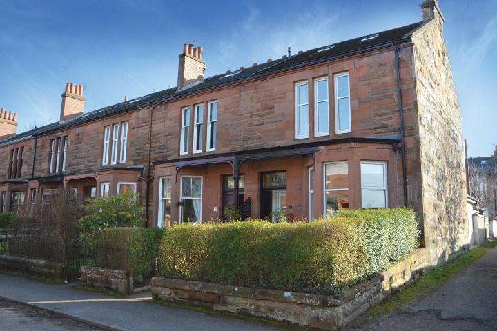 4 Bedrooms End Of Terrace House for sale in Corrie Grove, Netherlee, Glasgow, G44