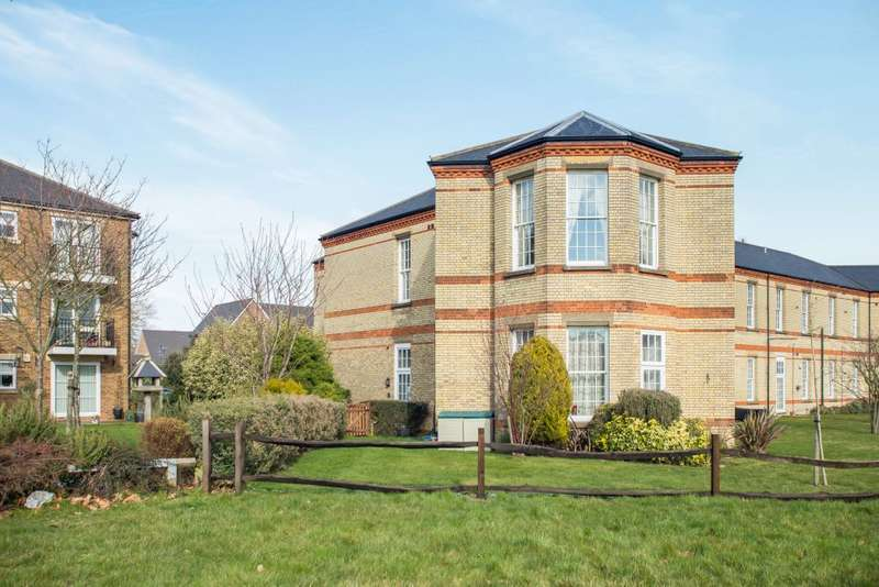 1 Bedroom Property for sale in Wellesley House, Horton Crescent, Epsom, Surrey KT19 8BQ