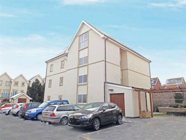1 Bedroom Flat for sale in Penmaen Bod Eilias, Old Colwyn, Colwyn Bay, Conwy