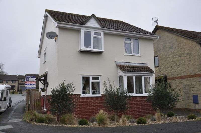 4 Bedrooms Property for sale in Turnbury Avenue Nailsea, Bristol