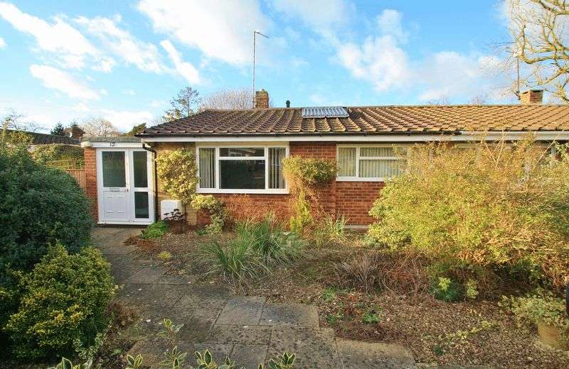 2 Bedrooms Property for sale in The Moorlands, Benson, Wallingford