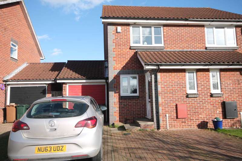 2 Bedrooms Semi Detached House for sale in Barnwell Road, Dartford