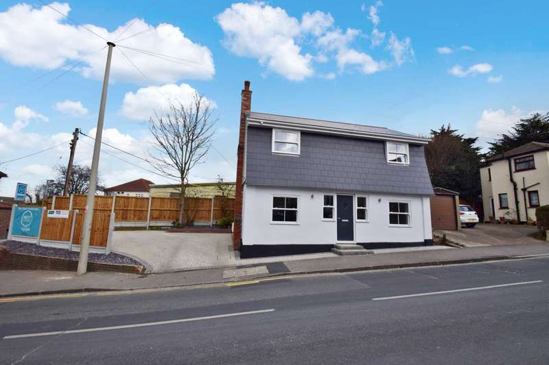 3 Bedrooms Detached House for sale in London Hill, Rayleigh, SS6