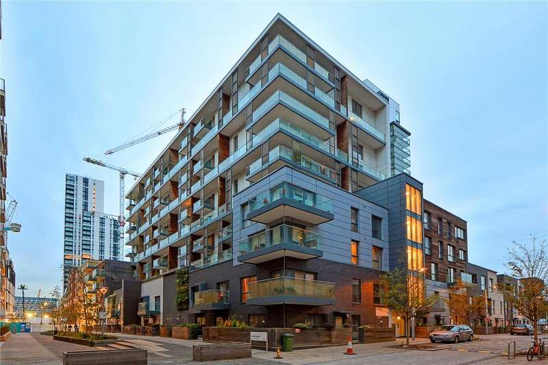 2 Bedrooms Flat for sale in Barge Walk, London