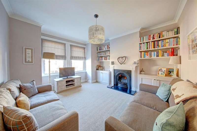 3 Bedrooms Maisonette Flat for sale in Tranmere Road, London