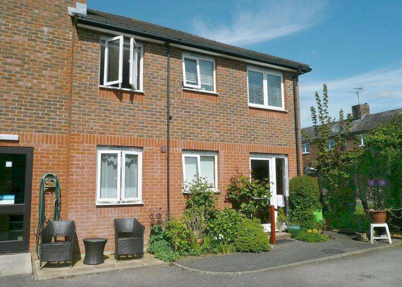 2 Bedrooms Retirement Property for sale in Station Road, WARMINSTER, BA12