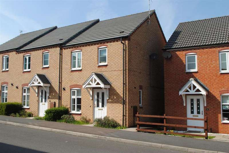 3 Bedrooms Town House for sale in Darwin Crescent, Loughborough