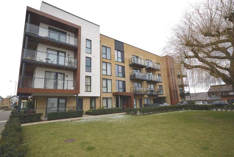 1 Bedroom Apartment Flat for sale in Ashflower Drive, Harold Wood, Essex, RM3