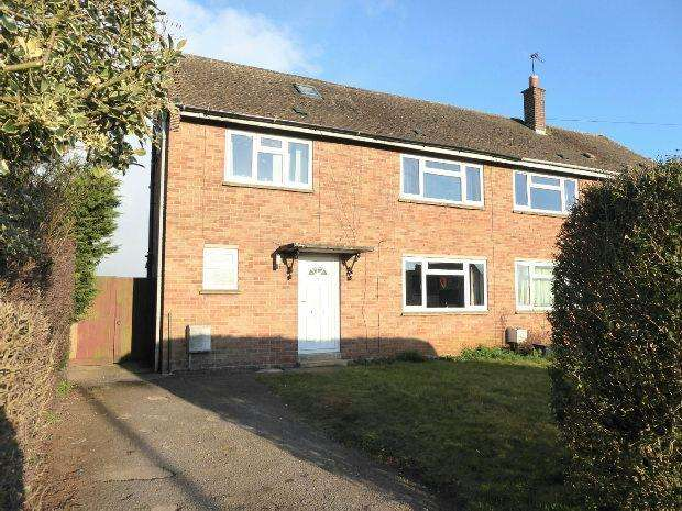 4 Bedrooms Semi Detached House for sale in Walton Avenue, Twyford