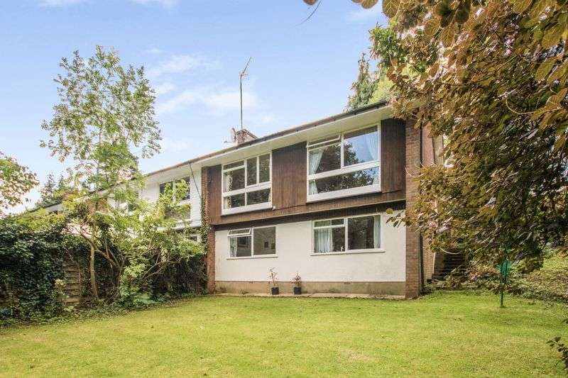 3 Bedrooms Property for sale in Summerhouse Road, Busbridge, Godalming
