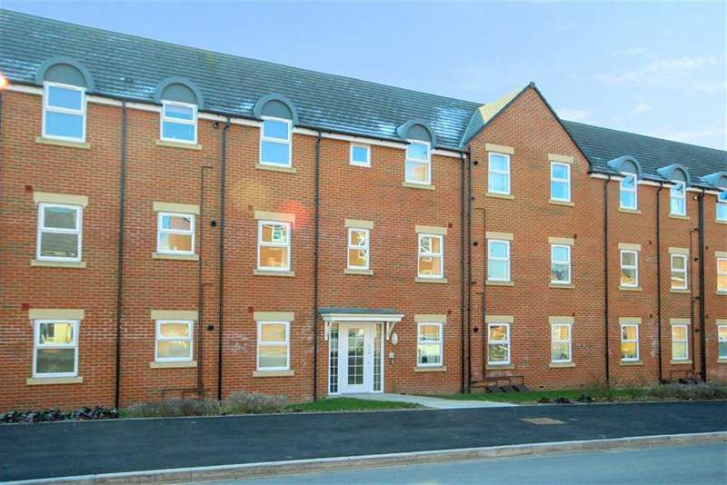 2 Bedrooms Apartment Flat for sale in Cloatley Crescent, Royal Wootton Bassett