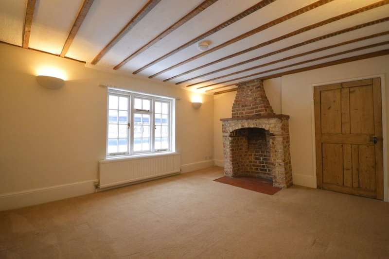 3 Bedrooms Flat for rent in High Street, Thames Ditton, KT7