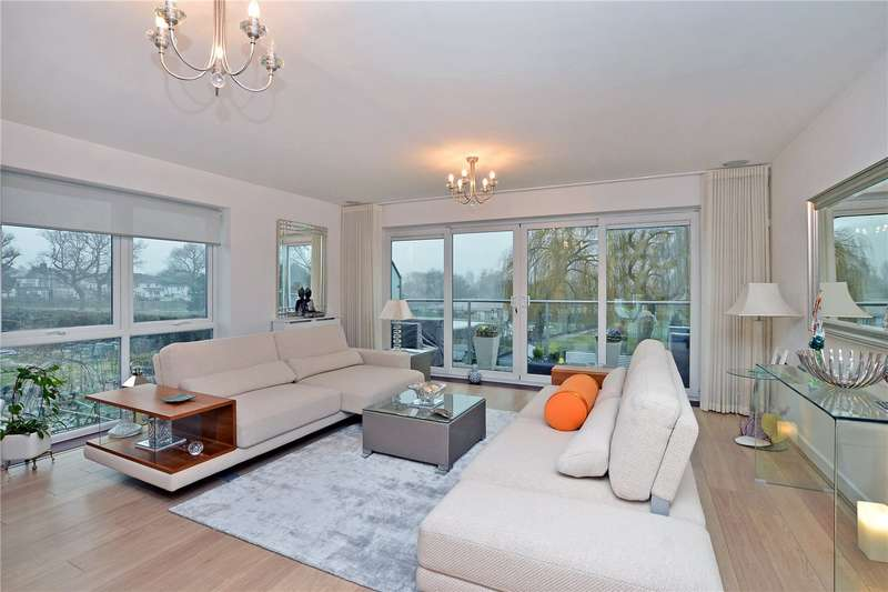 4 Bedrooms Town House for sale in Barn Elms Close, Worcester Park, KT4
