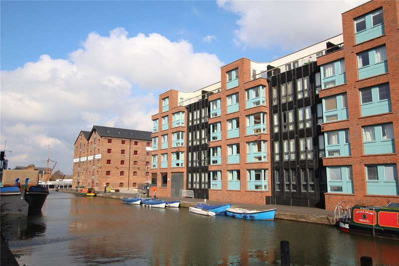 2 Bedrooms Flat for sale in The Barge Arm Gloucester GL1