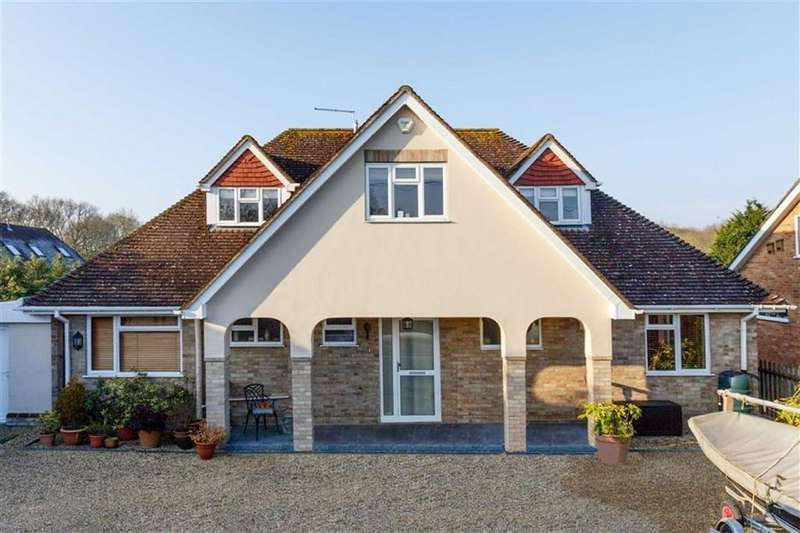 4 Bedrooms Chalet House for sale in Sheepcroft Lane, Wimborne, Dorset