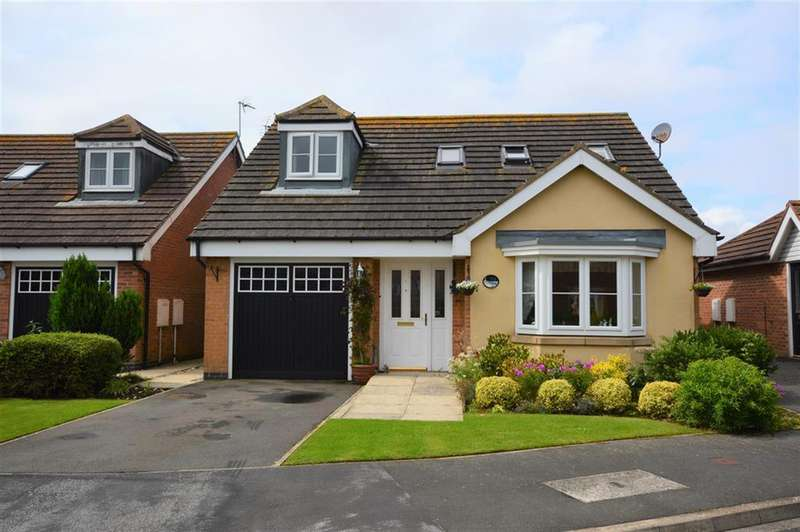 3 Bedrooms Detached Bungalow for sale in Pasture Crescent, Filey, YO14 0EZ