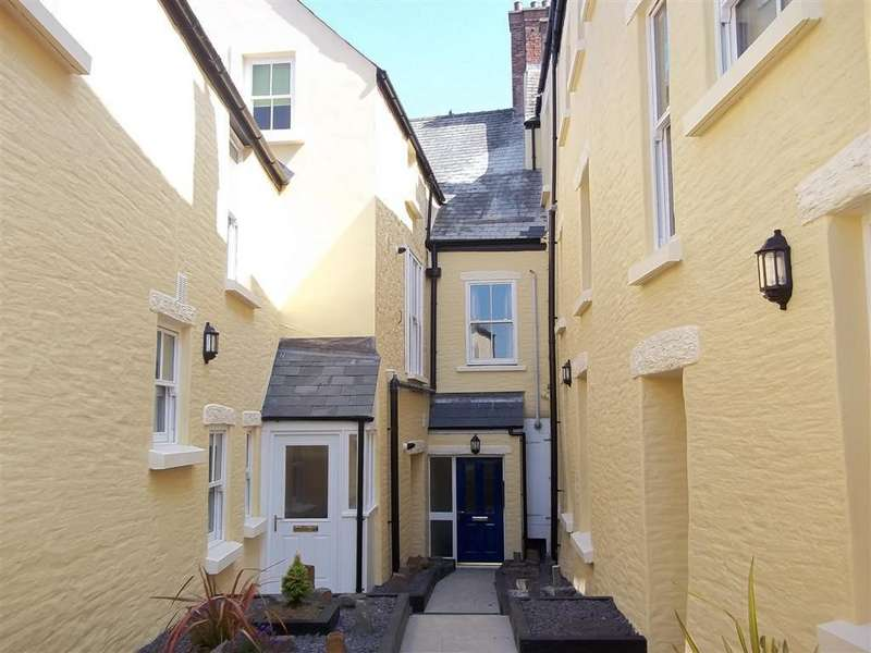 2 Bedrooms Cottage House for rent in 1 Harlech House 5 Main Street Pembroke Pembrokeshire
