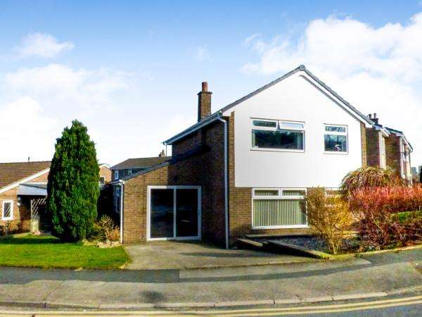 5 Bedrooms Detached House for sale in 38 Thornhill Road, Steeton BD20 6RE