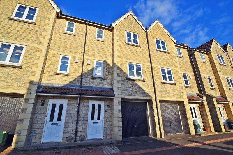 4 Bedrooms Terraced House for rent in Level approach to Clevedon Town Centre
