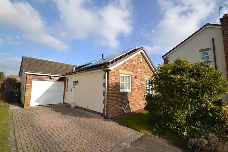 2 Bedrooms Detached Bungalow for sale in Meadowfield, Whitley Bay