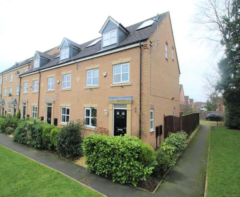 3 Bedrooms End Of Terrace House for rent in Lawnhurst Avenue, Manchester, M23 9RQ